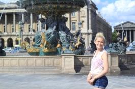Grace posing in Paris
